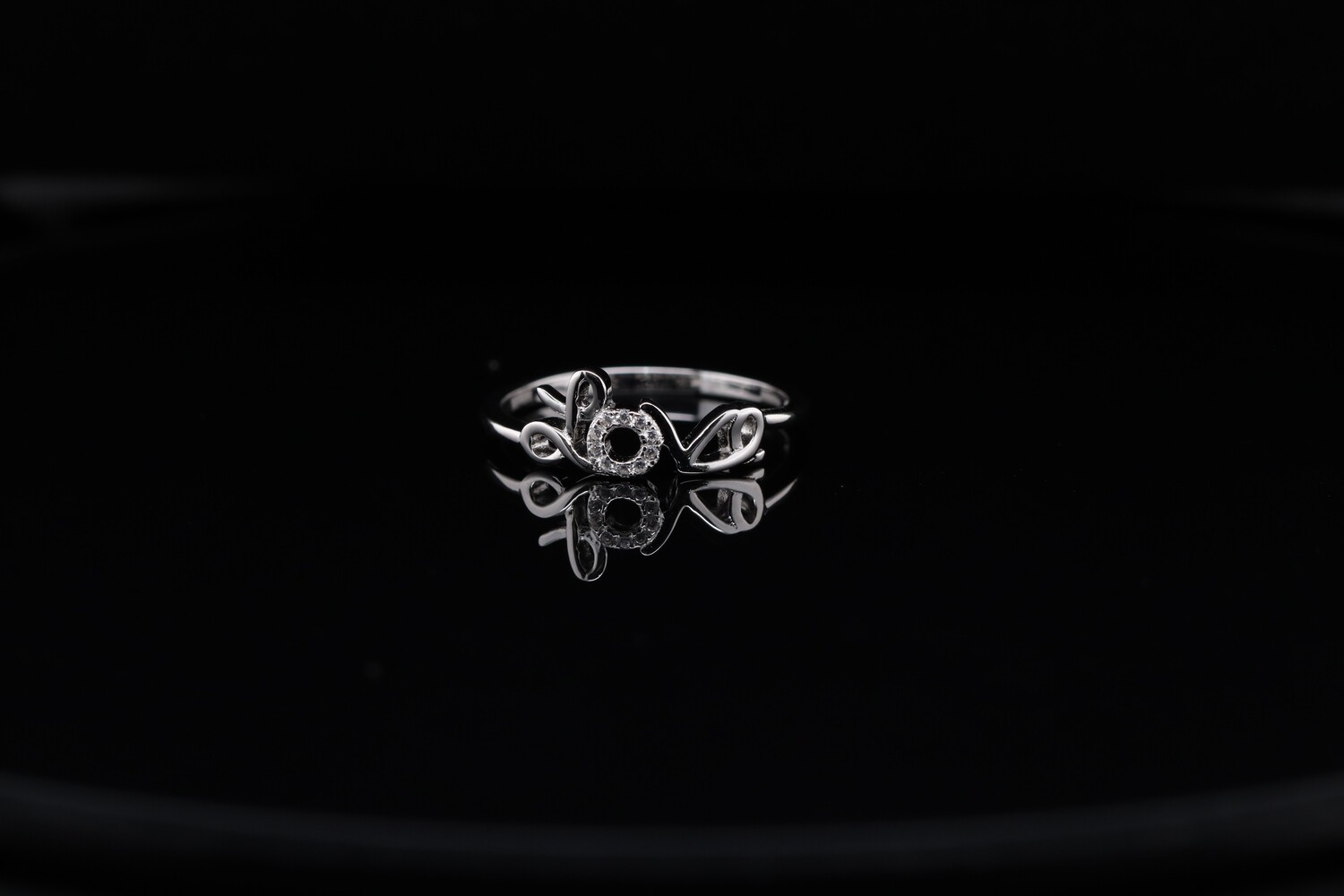 Solitaire Love Heart Ring