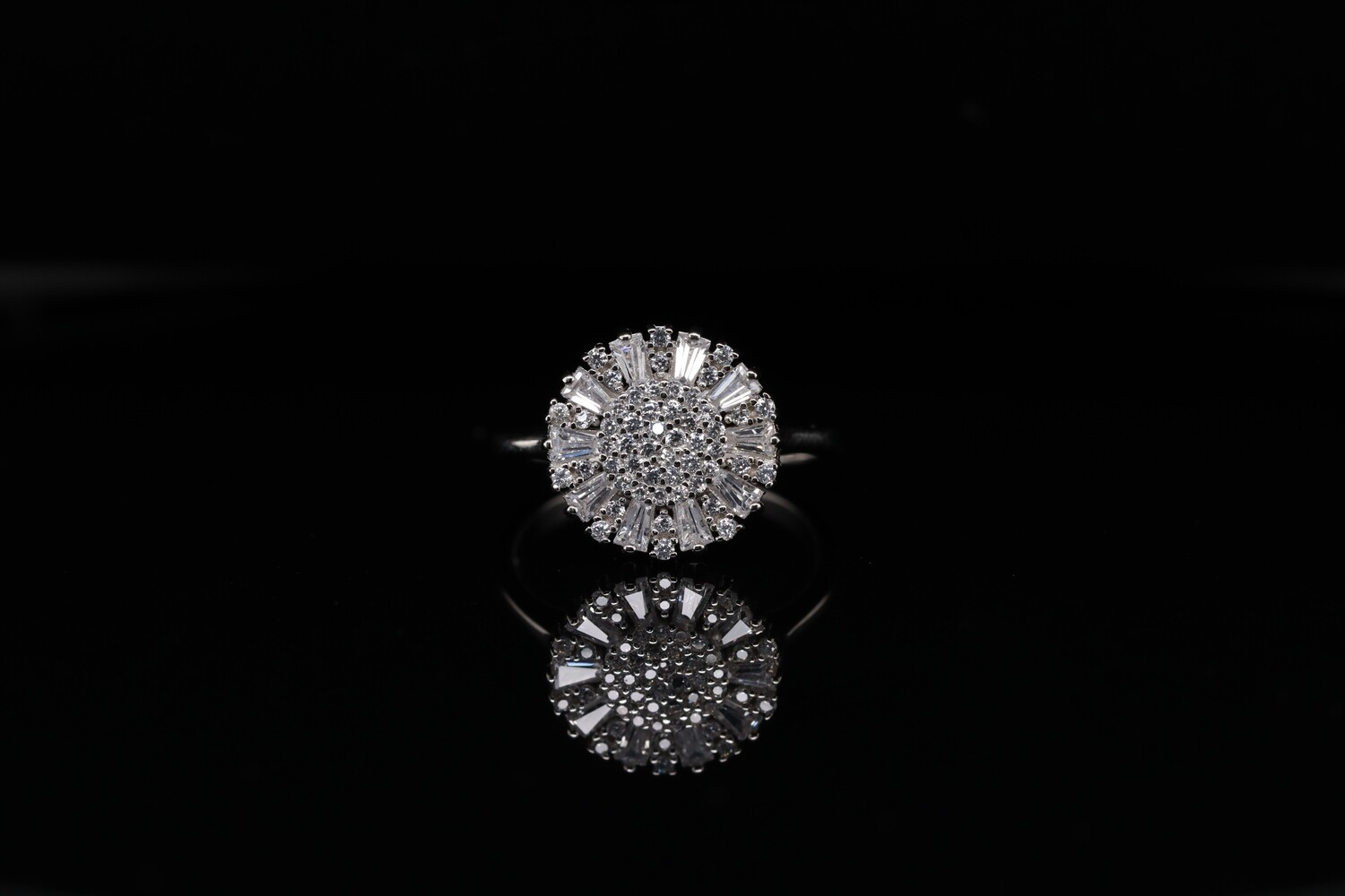 Solitaire Sparkling Flower Ring