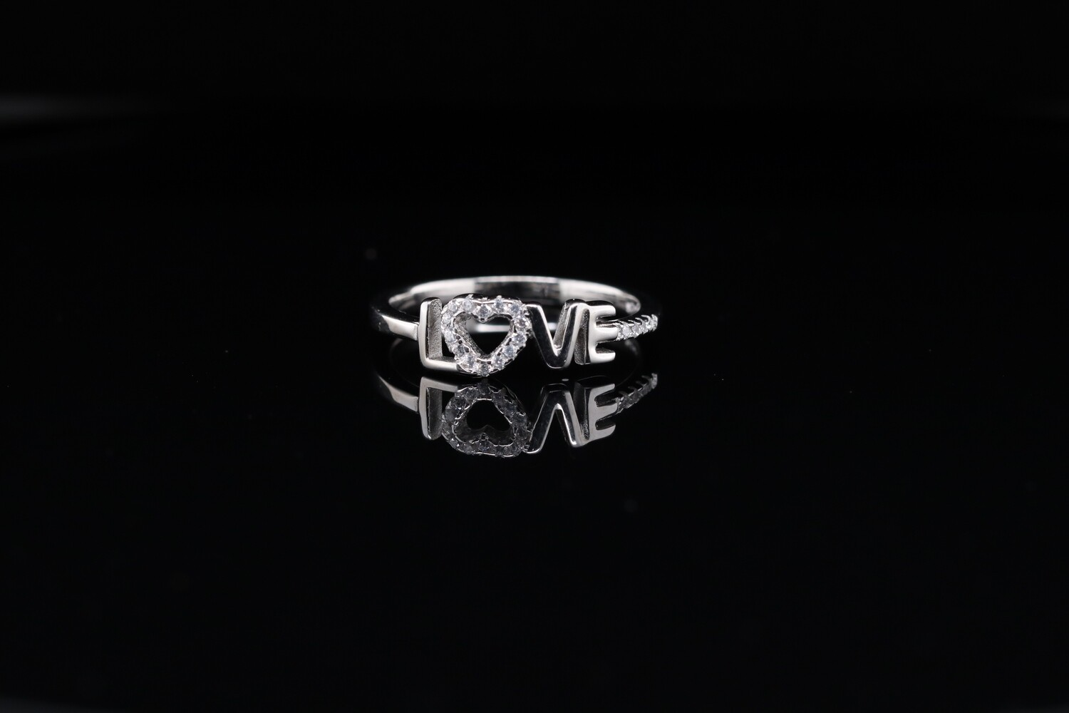 Solitaire Heart Love Ring