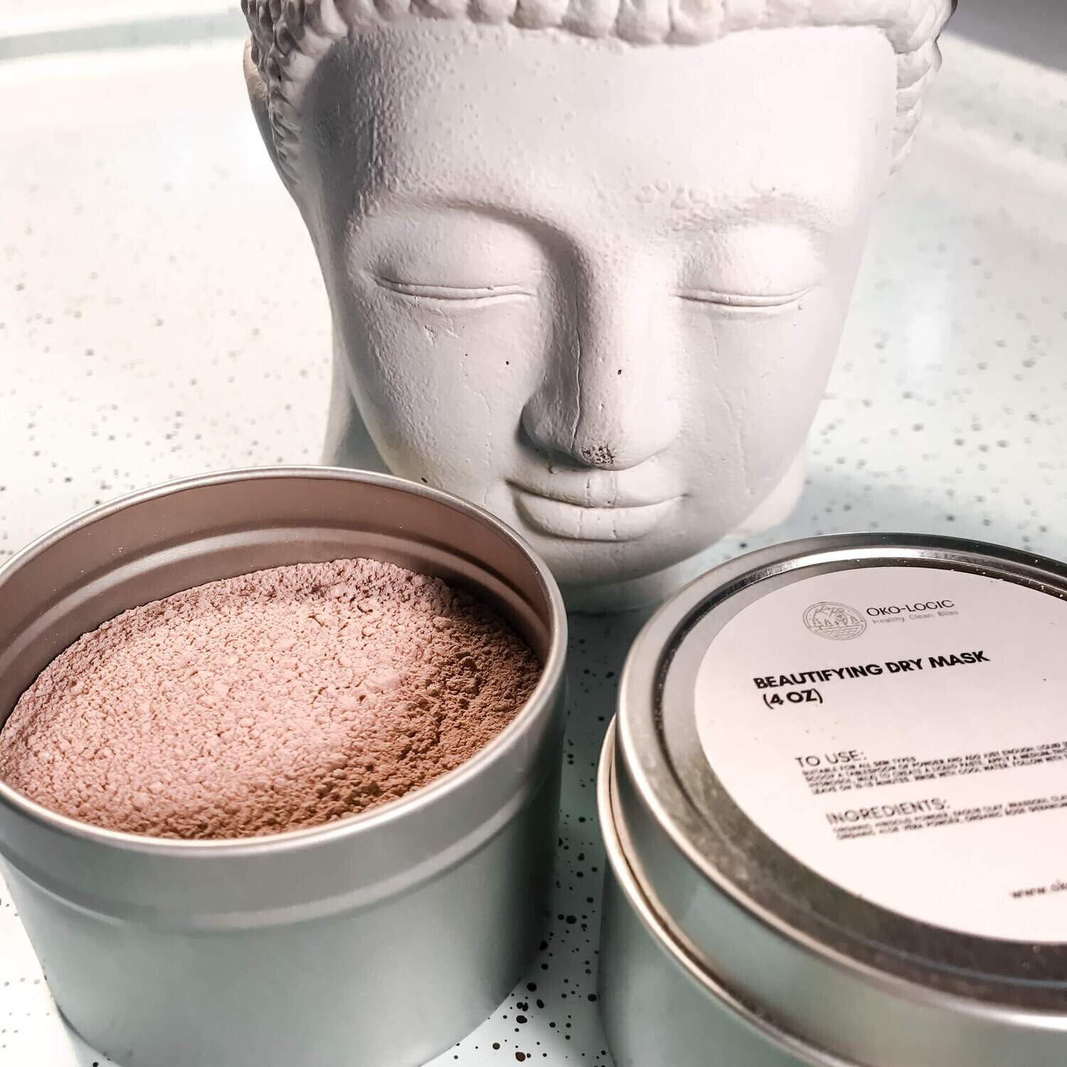 BEAUTIFYING CLAY AND ROSE MASK