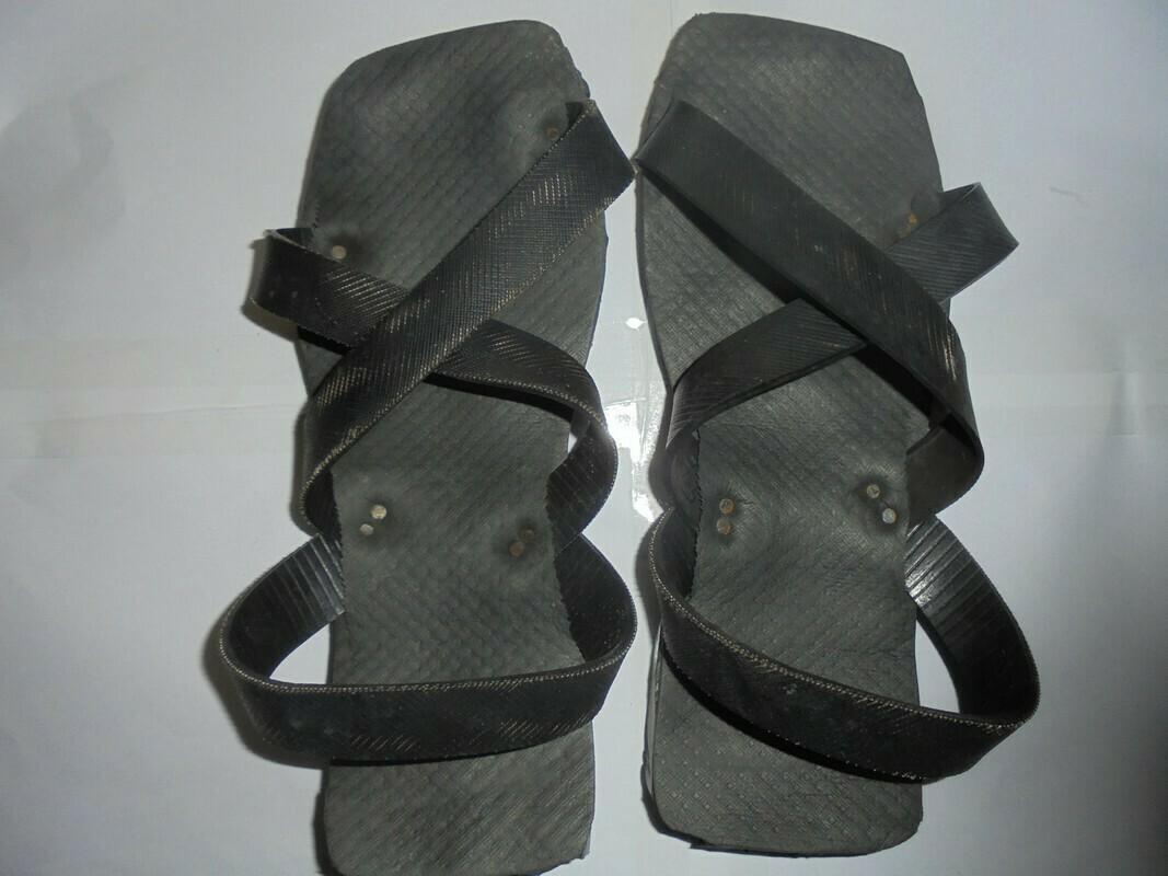 Masai Soft tire rubber sandals(U.S size 11.0 men) UNISEX