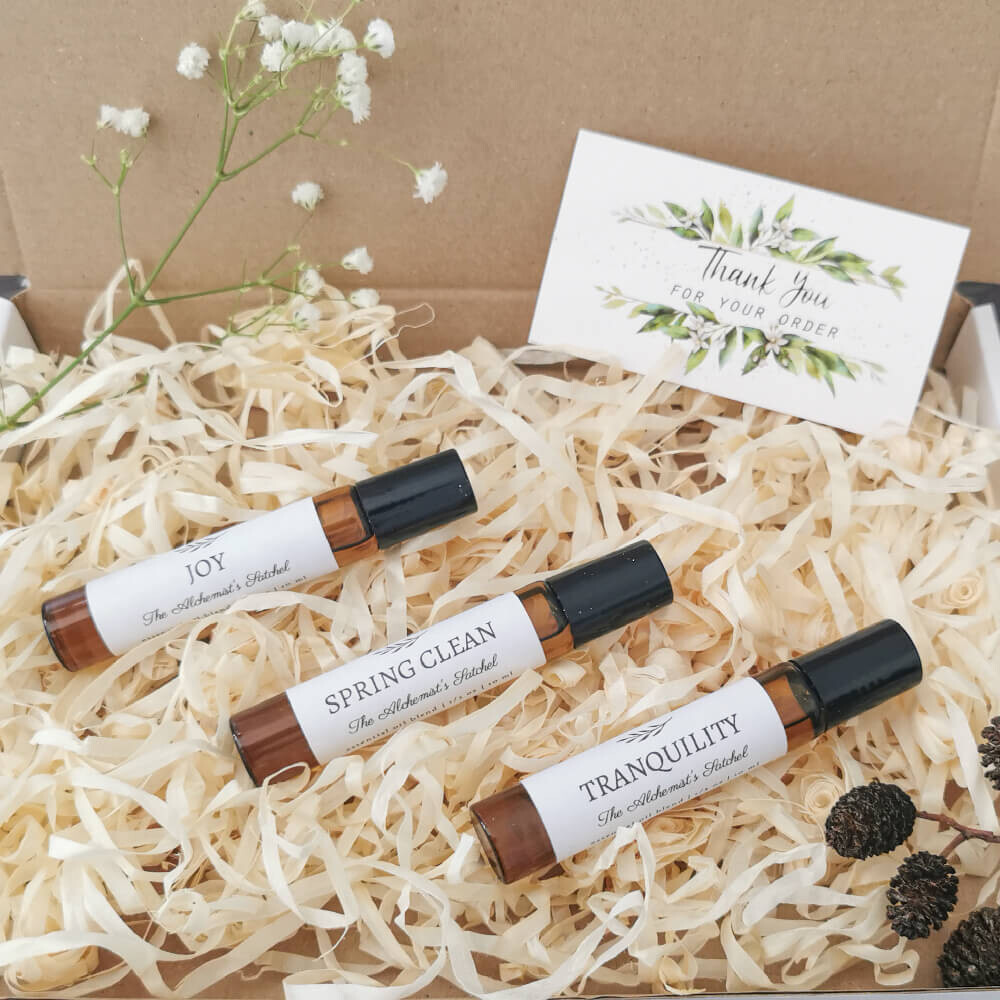 Set of 3 Oil Blends, Energising, Relaxing and Purifying, Roll-on Aromatherapy, Pure Essential Oils, Herbal Remedies, Self-Care, Gift Box