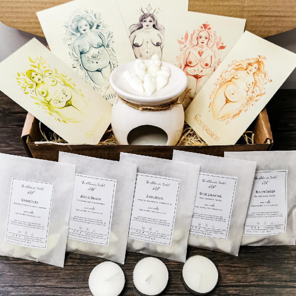 Goddess Wax Melt box: 5 scents, 250 hours of burn time with 5 watercolour art prints, Feminist gift, gift for her, birthday gift, pamper box