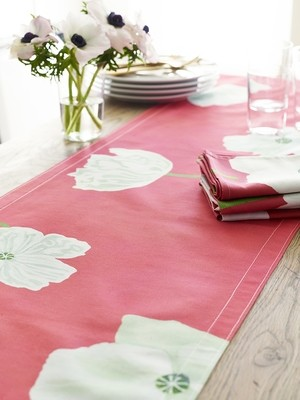 Table Runner:  White Poppies on Pink