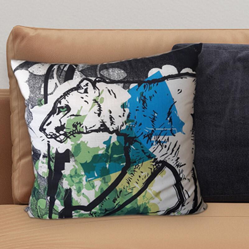 100 % Linen, 1 Tiger Cushion, 55x55 cm, 150 LImited Edition