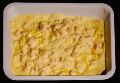Warme pasta met kip en mosterd