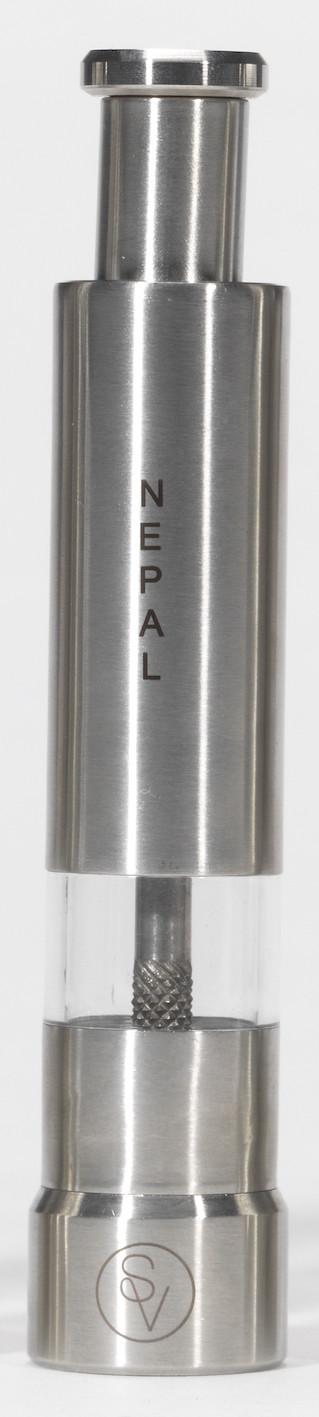 Poivrier à pression 14 cm en métal gravé S&V NEPAL