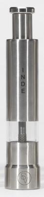 Poivrier à pression 14 cm en métal gravé S&V INDE