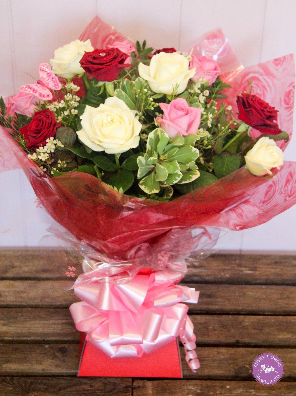 Dozen Mixed Rose Handtied