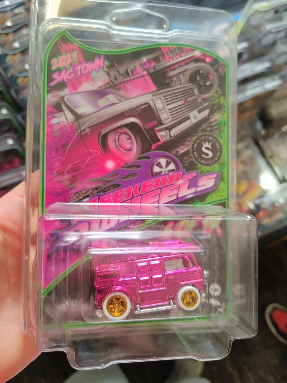 Souvenir TMNT Pink Van 1 of 10