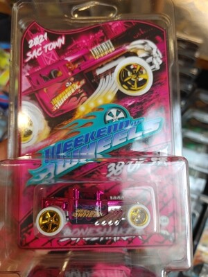 Boneshaker 1 of 50 Pink Spectraflame Party Car