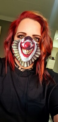 Creepy Tiny Face Pennywise
