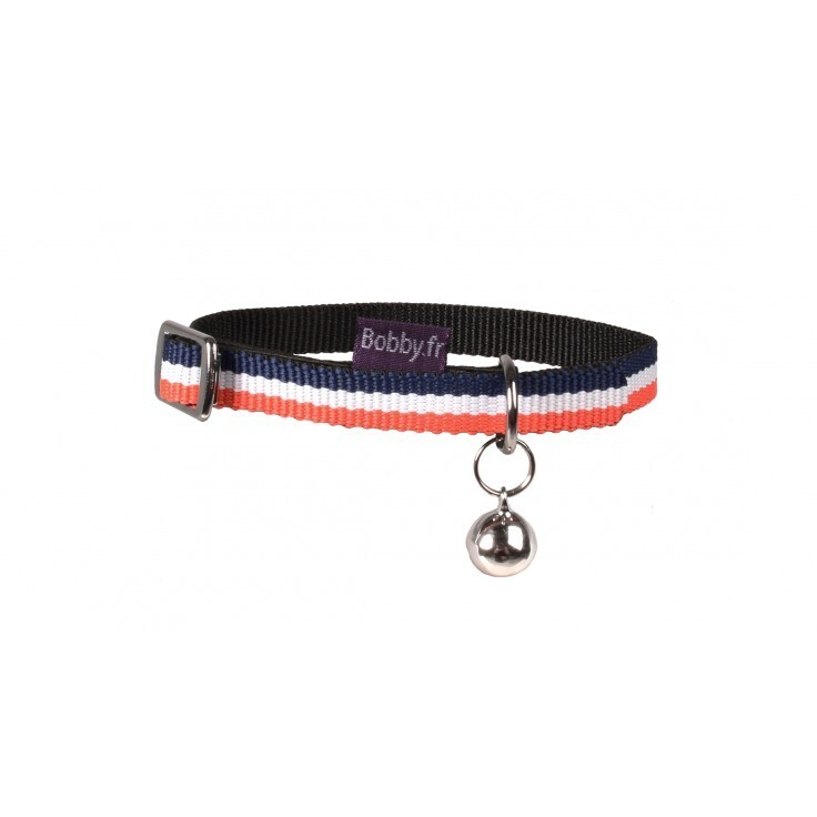 Nylon dog collar in the colors of France.