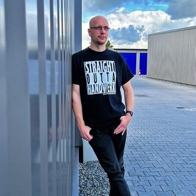 #StraightOuttaHandwerk T-Shirt schwarz