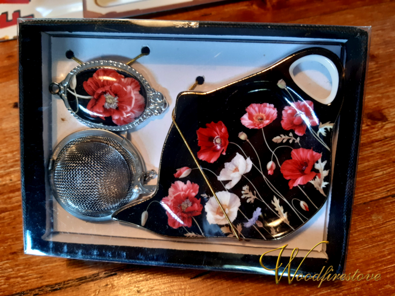Poppy Tea Strainer & Fine Bone China Dish Set *Free Shipping