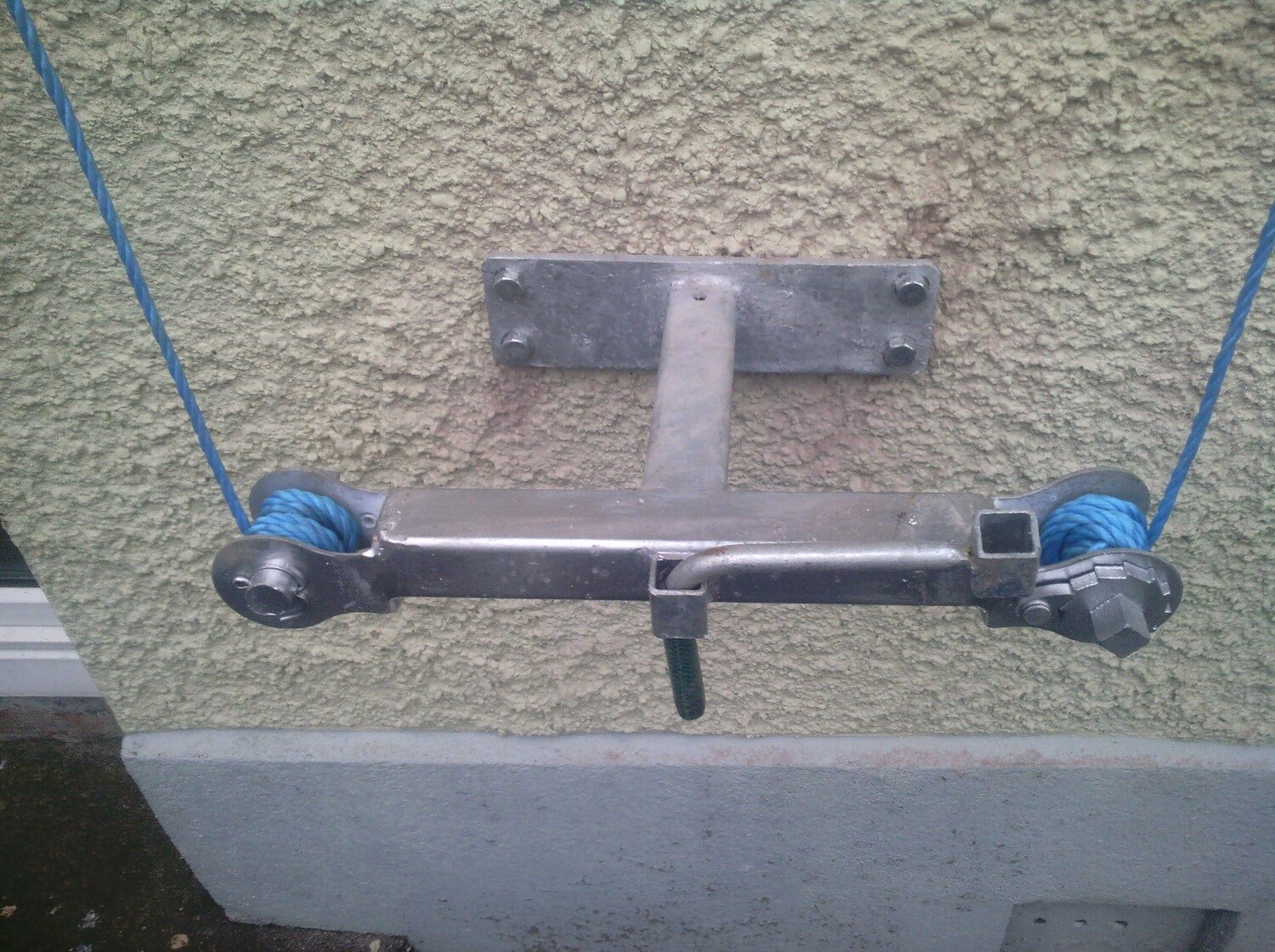 Wall Mounted Clotheslines