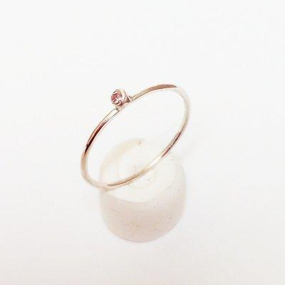 Anillo compromiso oro amarillo y  gemas semipreciosas o diamante. Personalizable