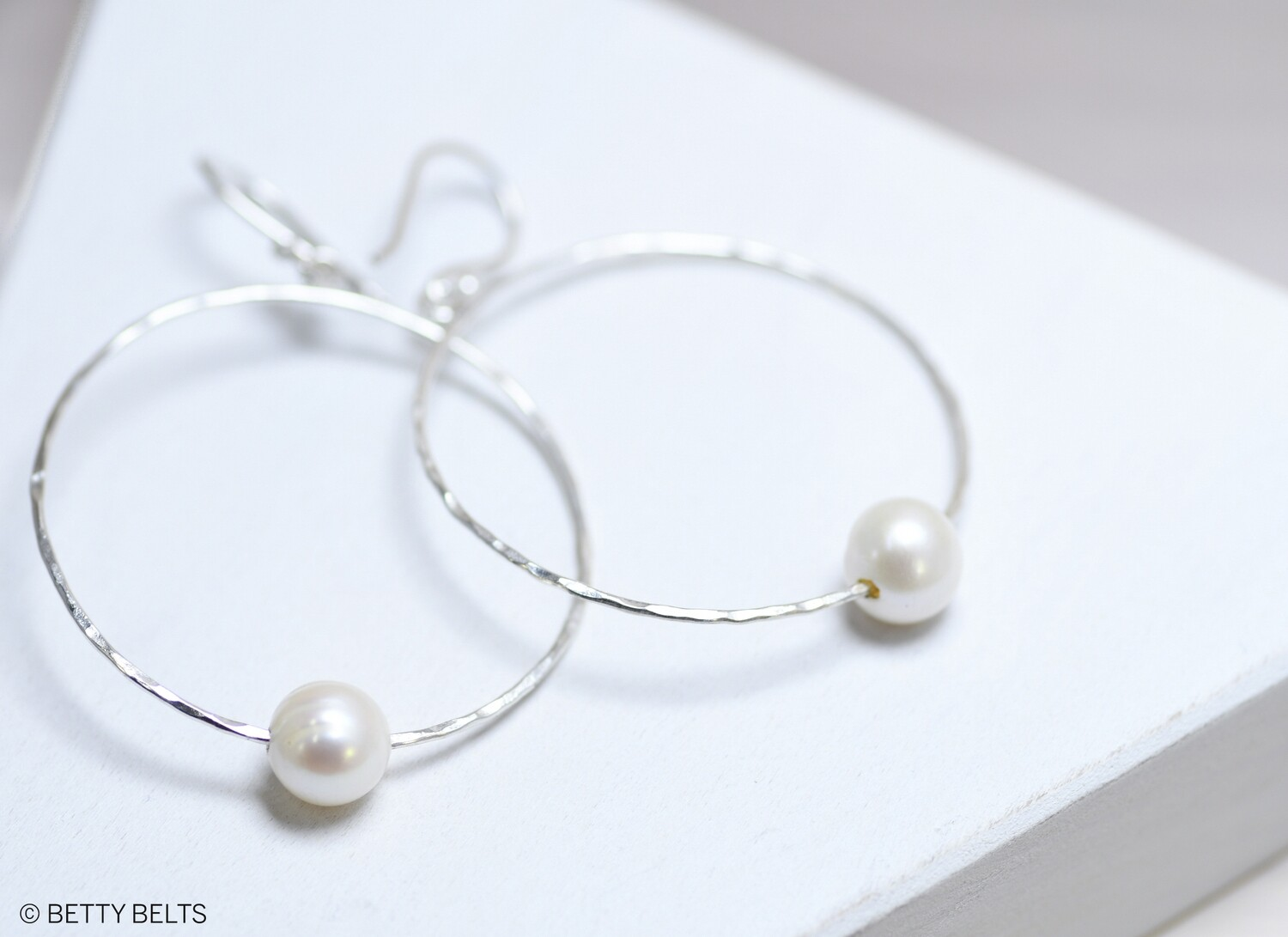 Hammered Pearl Hoops (MARY)