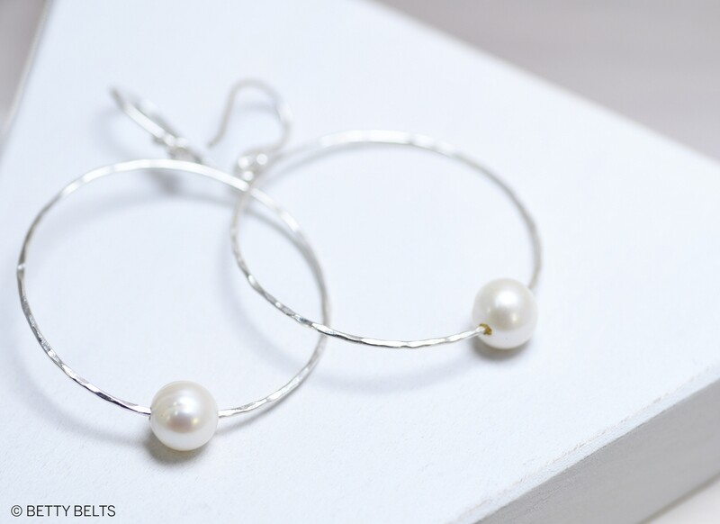 MARY Hammered Pearl Hoops