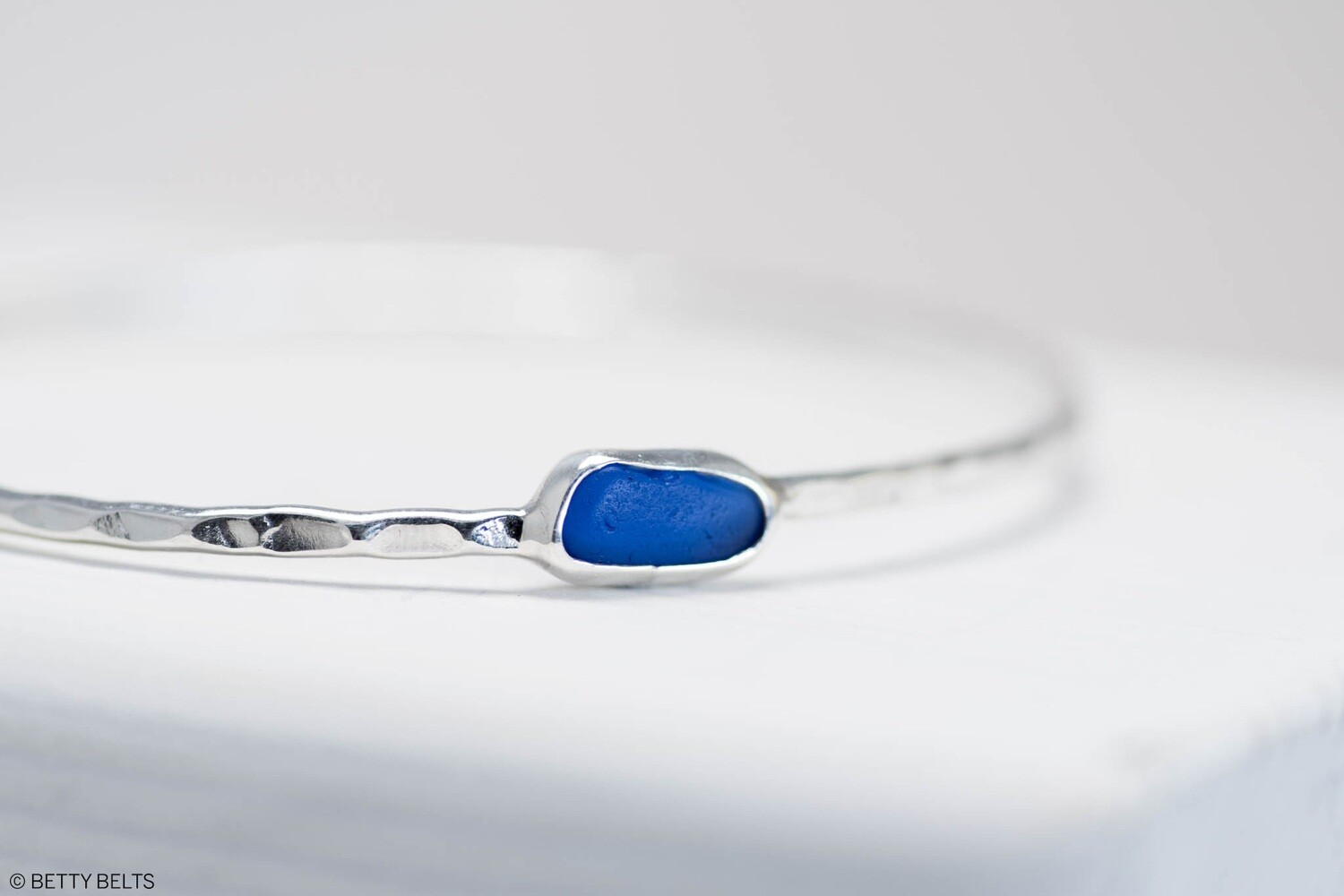 Sea Glass Bangle (LEILANI)