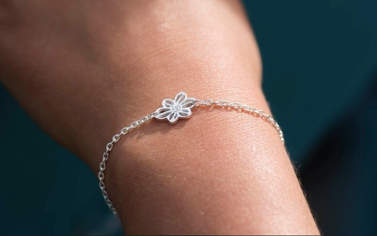 Floating Betty Flower Bracelet