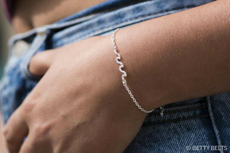 Hui Hui Waves Bracelet