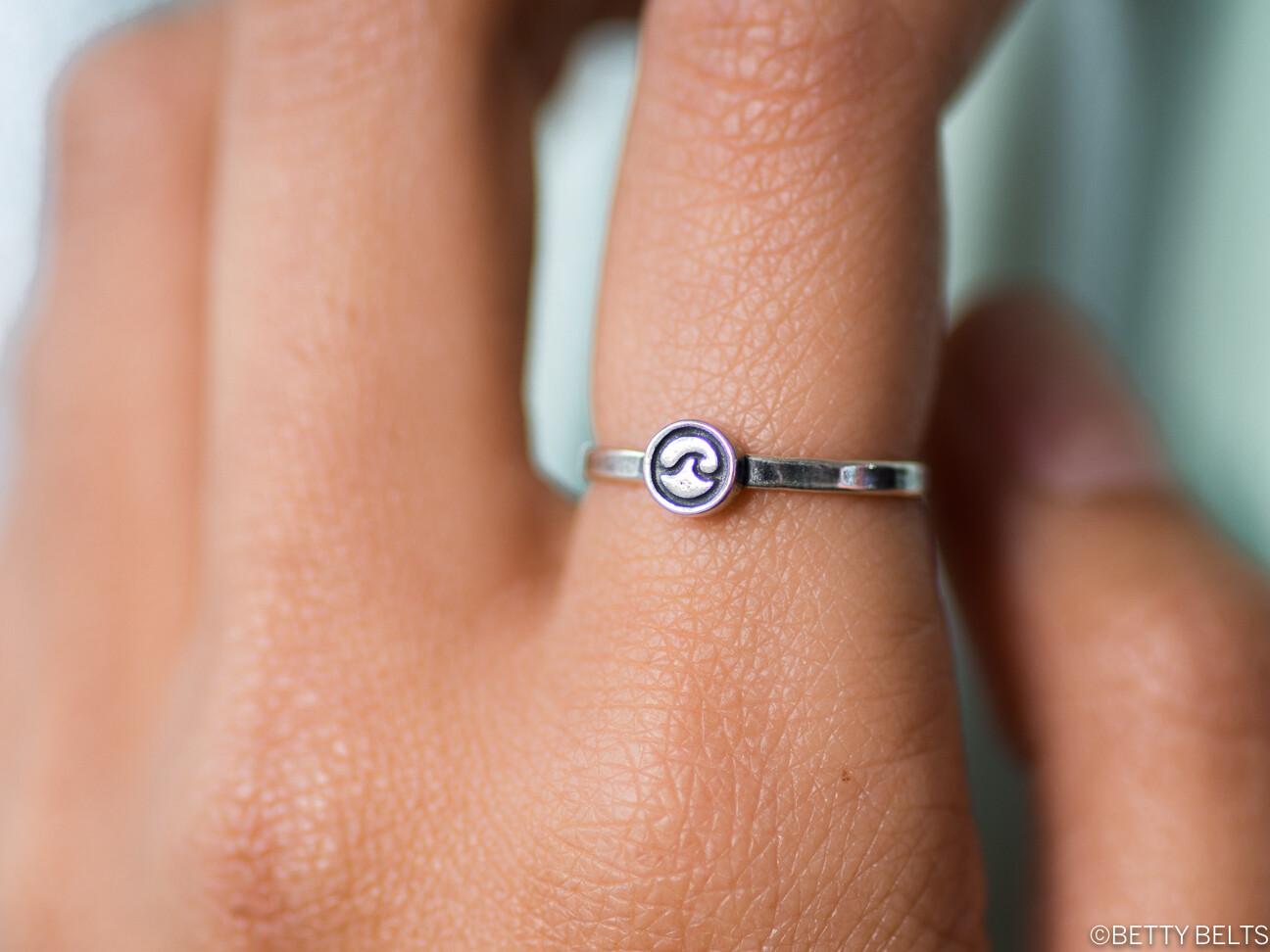 Nami Wave Ring