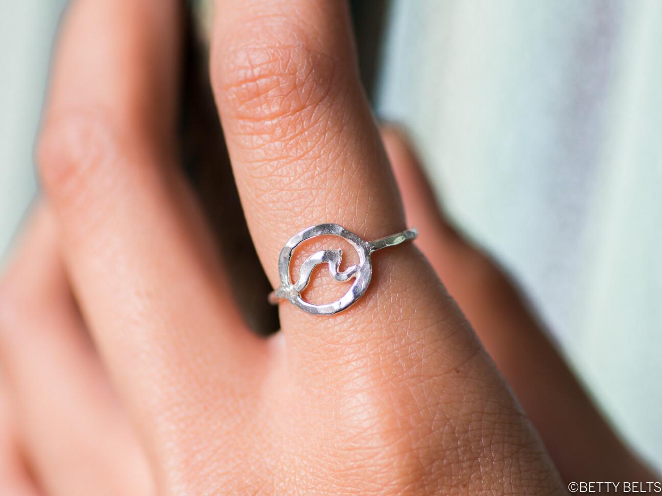 Circle Wave Ring
