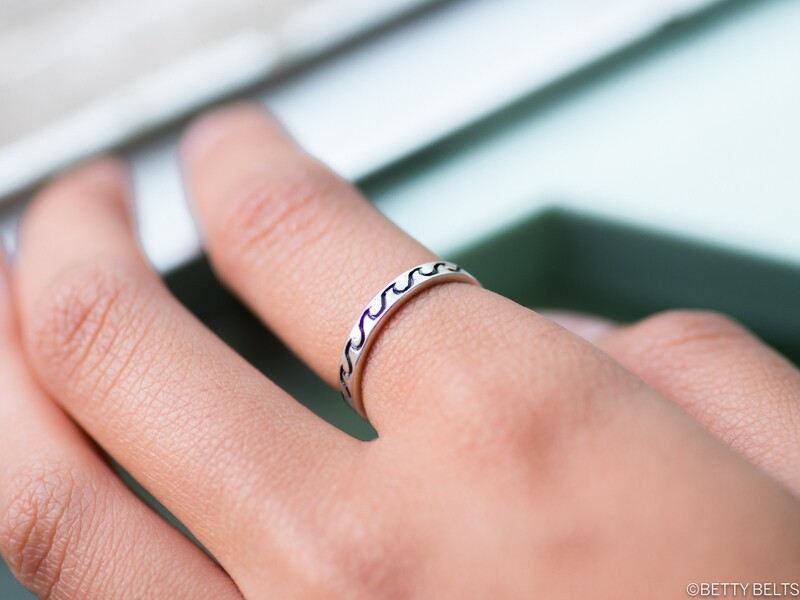 Olas Wave Ring