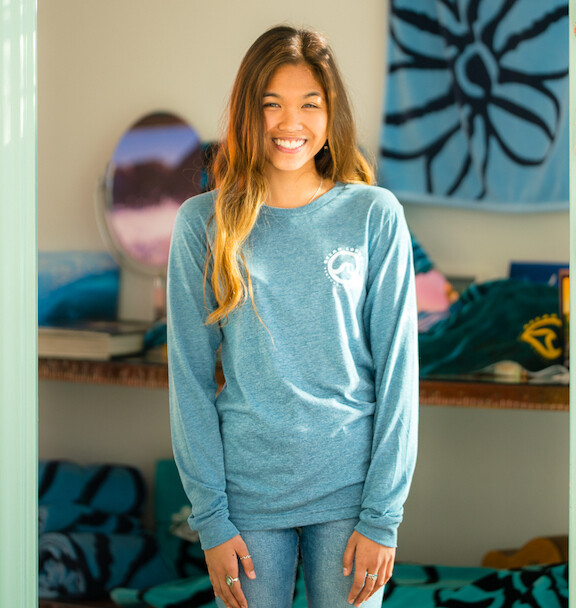 Ocean Lovers®  Long Sleeve Crew + Circle Wave Sticker