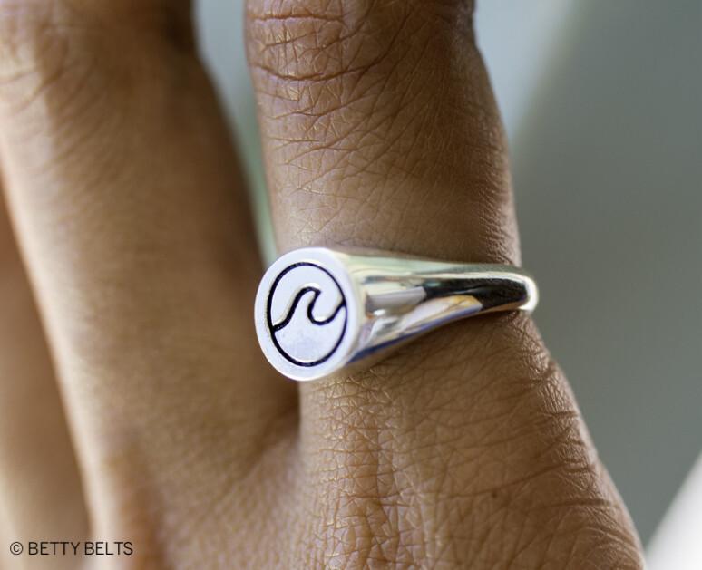 Signet Ring (Circle Wave)
