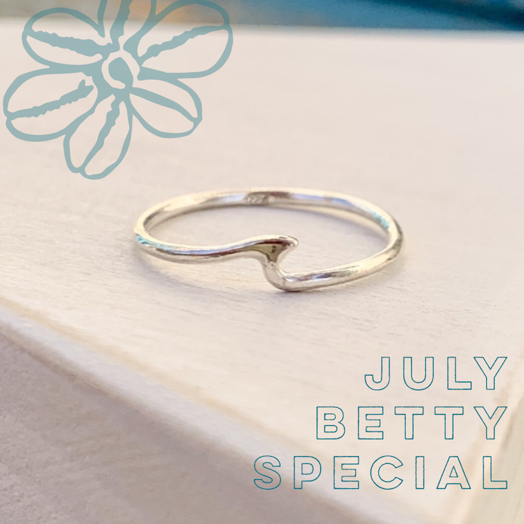 Betty Baby Wave Ring