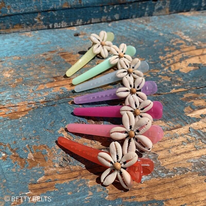 Betty Shell Flower Clip