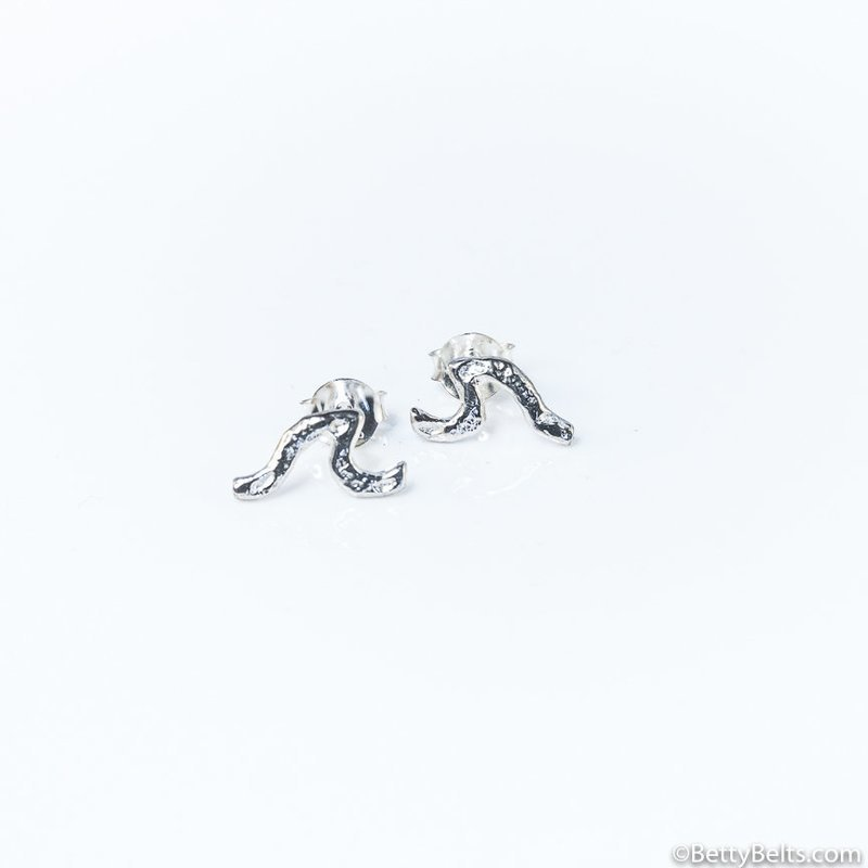 HUI HUI Wave Stud earrings
