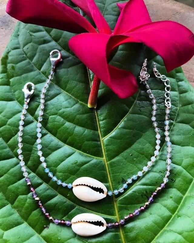 Gemstone Cowry Bracelet (LAUREN)