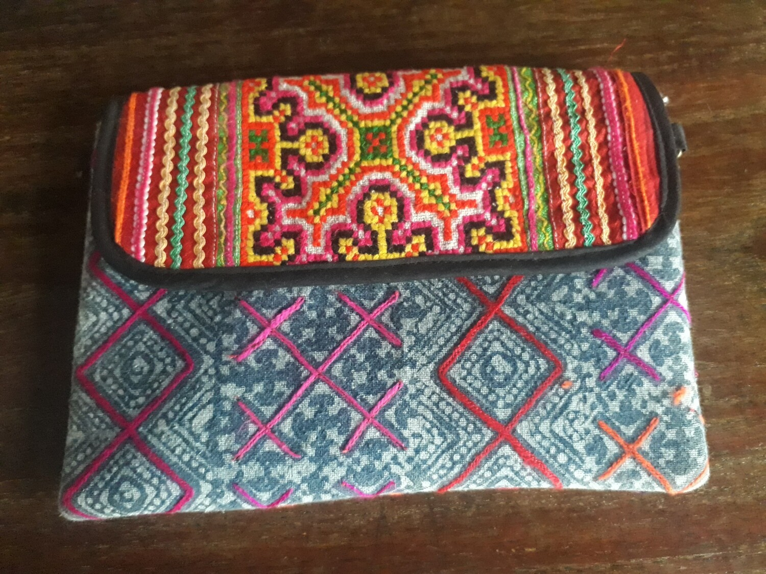 Small purse with shoulder string