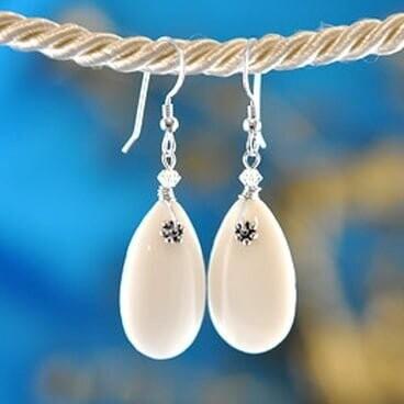 Earrings: Simply Elegant: Teardrops - Silver White