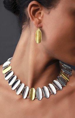 Hourglass Earring & Collar