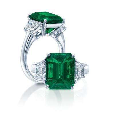 Platinum Emerald & Diamond Ring