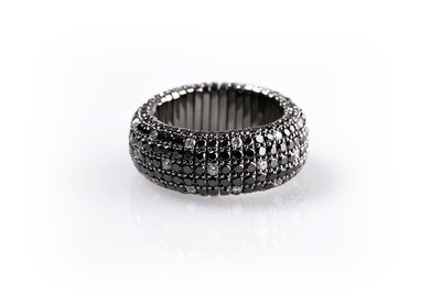 Giotto Black and White Spotted Diamond Ring