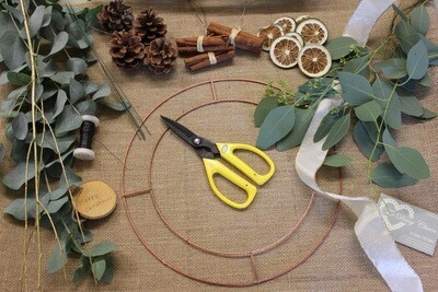 The Daisy Chain DIY Wreath Making Kits