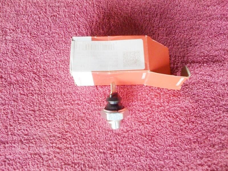 K75; K100 8v; K1; K100RS 16v; K1100 Oil Pressure Switch. (D-3)