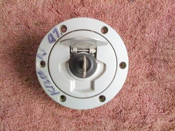 R1100S; R1150R; K1200RS; F650 Fuel Tank Filler Cap with Key. (T17-S23) (T17-S23)