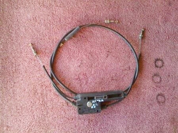 R1150R Accelerator and Throttle valve Cables. (P-W)