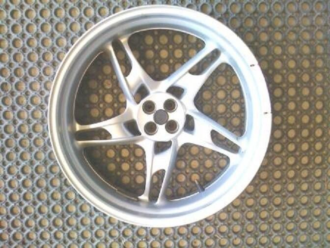 R1100S; R1150 Rockster 5.50 Rear Wheel. (C)