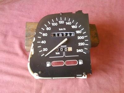 K75; K1008v Speedometer. (S-26)