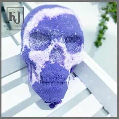 Skully - Violet Dreams Bath Bomb