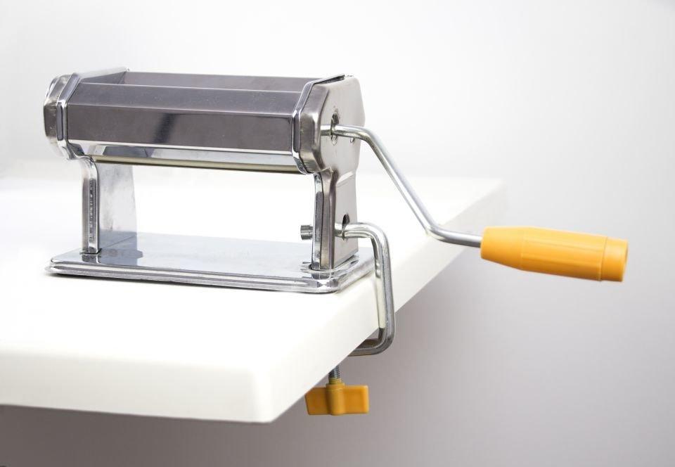 Masina de rulat pasta modelaj