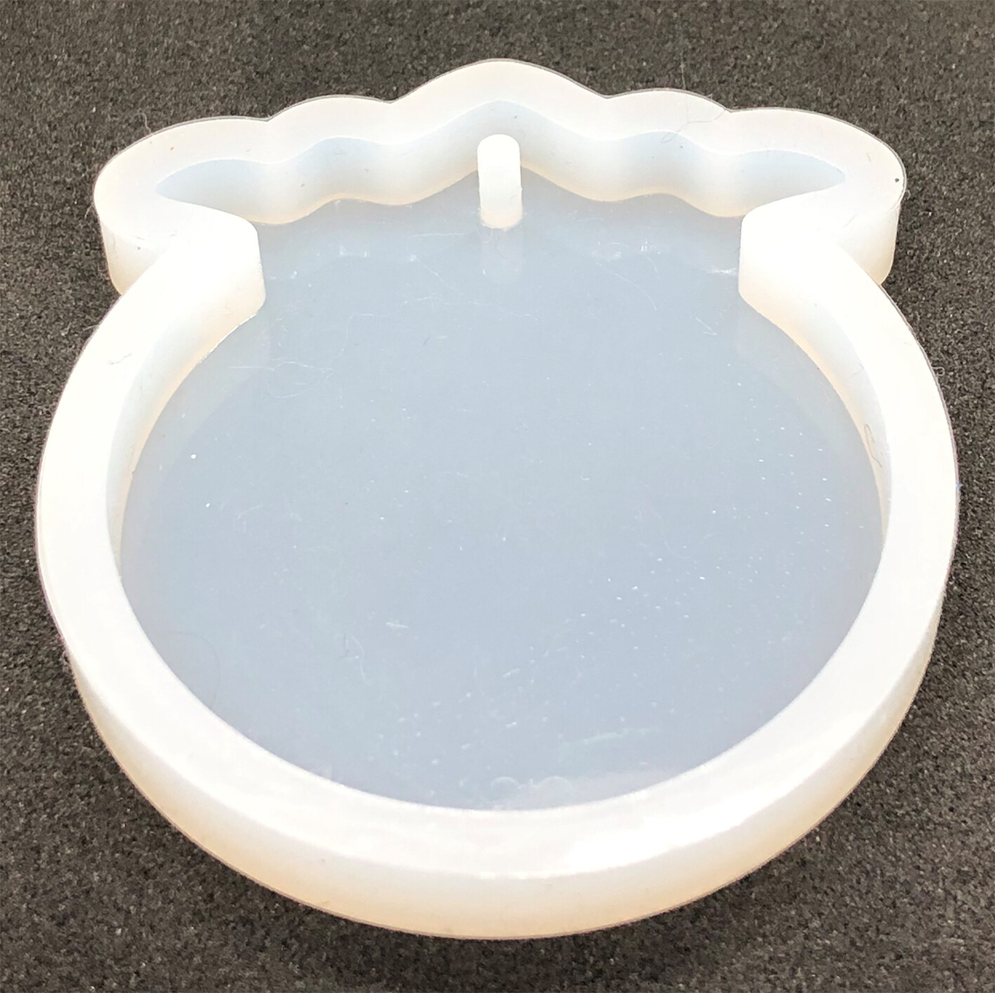 Silicone Mould -  50mm circle with 1 holes