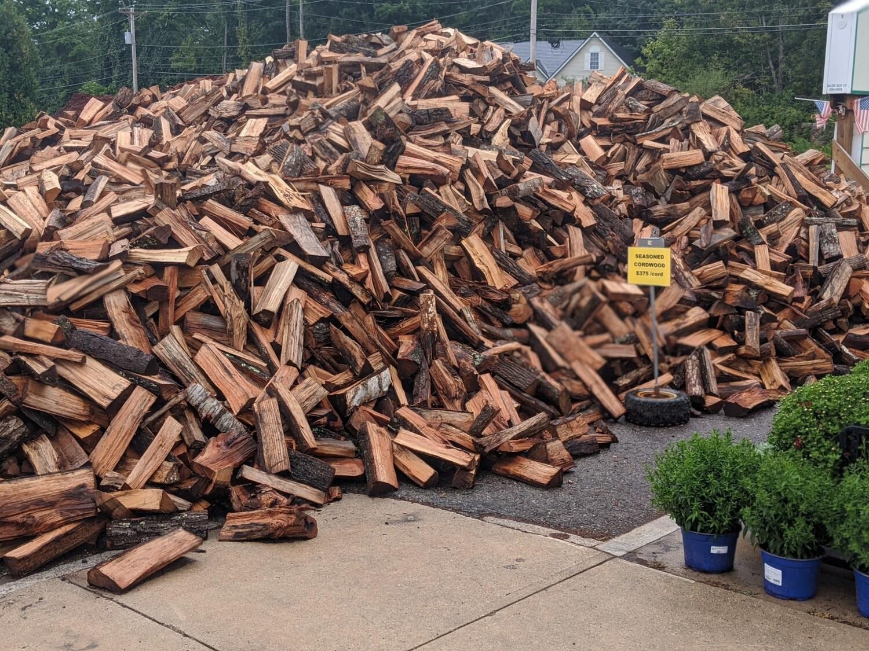 1/7 Cord of Seasoned Hardwood